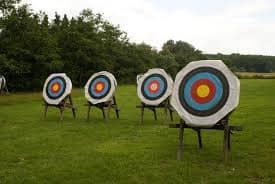戶外射箭課程的四個箭靶