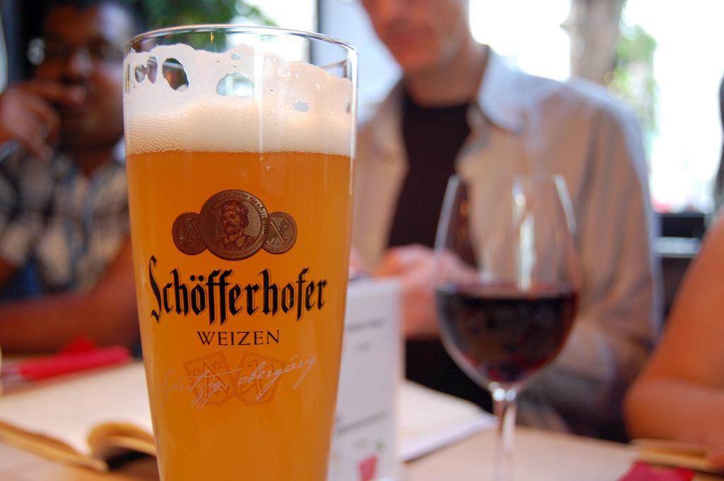 實用情境會話就在我們的德文會話課程!